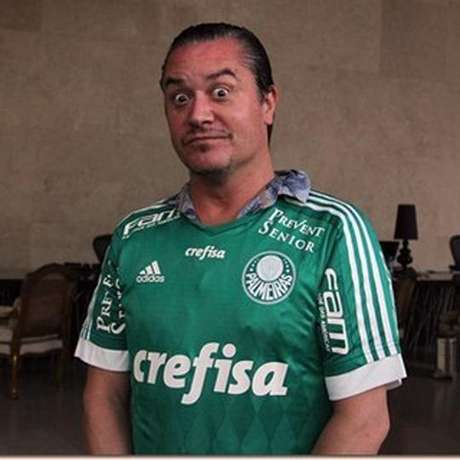 Mike Patton, do Faith No More, com camisa do Palmeiras