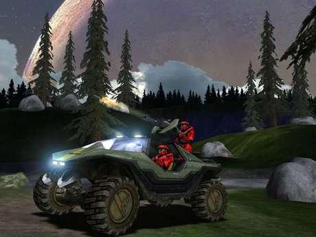 O primeiro jogo também introduziu o modo multiplayer que marcou a série