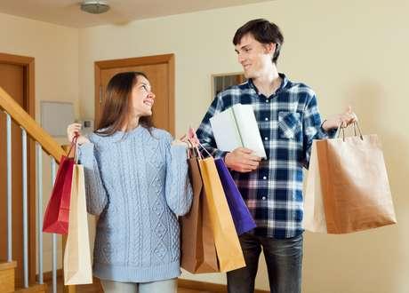 La siguiente ocasión que creas que necesitas comprar algo para ser feliz, piénsalo dos veces.
