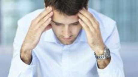 Falar com a esposa, com os amigos ou participar de grupos de pais onde o homem possa expressar suas inquietações podem ajudar a diminuir os sintomas