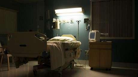 Chad passou seis meses em uma cama de hospital e outros seis meses em processo de reabilitação