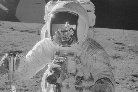Esta imagem foi feita durante a missão Apollo 12 - a segunda a pousar na superfície da Lua (Foto: Nasa/Project Apollo Archive)