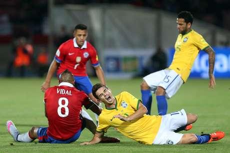 15de4e6087 Brasil foi dominado em Santiago e viu o campeão da Copa América sair com ...