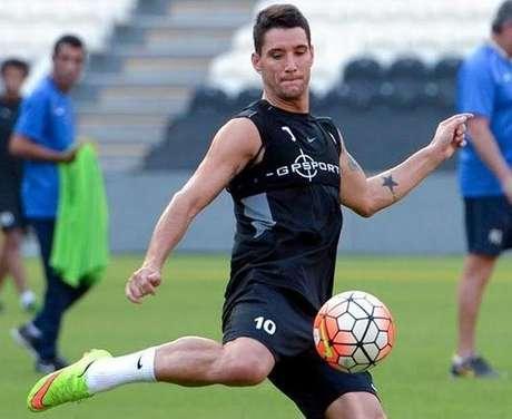 Thiago Neves em treino do Al Jazira