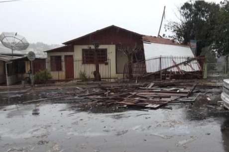 Temporais já afetam mais de 7 mil pessoas em Santa Catarina