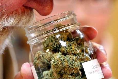 La propuesta que se discutirá en la Corte sería la vía para despenalizar el consumo de marihuana sin violar tratados internacionales.