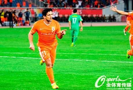Artilheiro do chinês, Aloisio marca mais dois e Shandong Luneng vence clássico