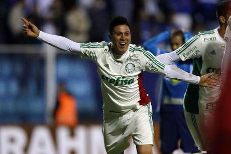 Cristaldo foi expulso durante derrota para o Santos na Vila Belmiro