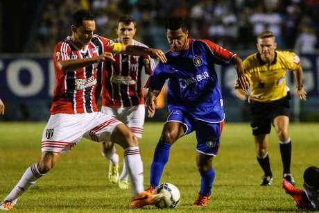 São Caetano e Botafogo-SP fizeram um segundo jogo bastante equilibrado, mas que não saiu do 0 a 0