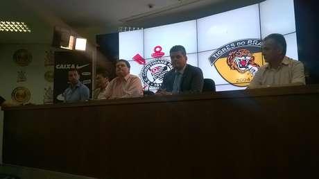 Dirigentes de Corinthians e Tigres do Brasil falaram no CT