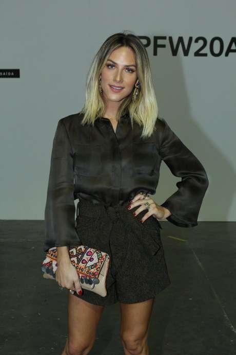 Cheia de estilo, Giovanna Ewbank marcou presença no SPFW desta sexta-feira (23)