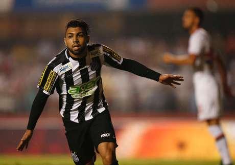 Santos bate o São Paulo e leva grande vantagem