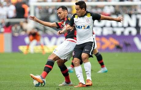 FOTOS -  Corinthians vence o Flamengo e mantém diferença na ponta