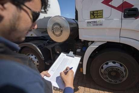 Registro é obrigatório para todo transportador rodoviário remunerado de cargas