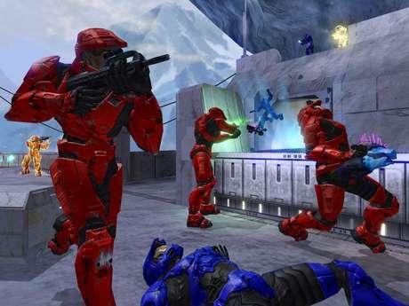 Lançado em 2004, Halo 2 representou um salto considerável nos jogos de tiro com multiplayer online
