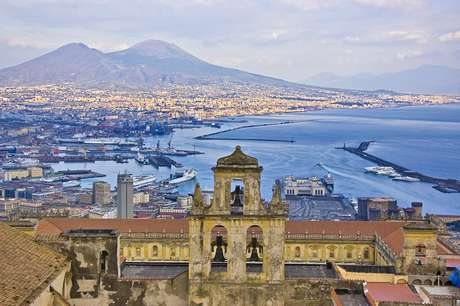 Uma das paisagens mais populares entre os comandantes é a do monte Vesúvio, na Itália
