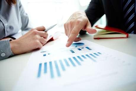 Pesquisas de mercado e análise do segmento que você quer atingir precisam estar no planejamento do seu negócio online