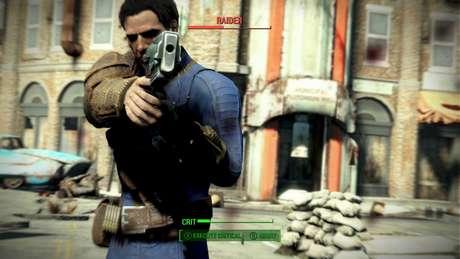É do Vault 111, que sai o protagonista de Fallout 4, que se passa em sua maior parte 200 anos após o fim da guerra nuclear, mais precisamente em 2277 – o mesmo ano de Fallout 3
