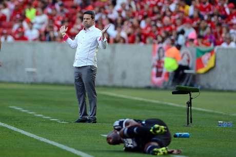 Inter, do técnico Argel, segue vivo na disputa por vaga na Libertadores