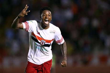 Francis fez os três gols do Botafogo-SP na vitória sobre o River-PI