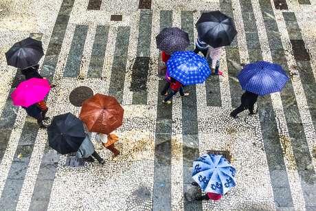 As fortes chuvas atingiram principalmente as zonas leste, oeste, sudeste, o centro e a Marginal Tietê