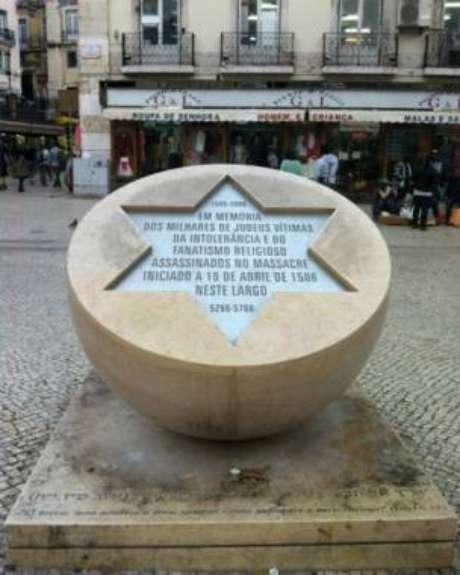 Hoje um dos pontos turísticos mais famosos de Lisboa, a praça do Rossio, no centro da capital, foi palco de execuções de judeus durante a Inquisição