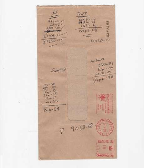 Grant anotava fluxo de caixa da empresa no verso de envelope marrom