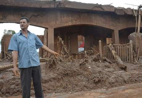 Moradores perderam tudo após rompimento de barragens em Mariana