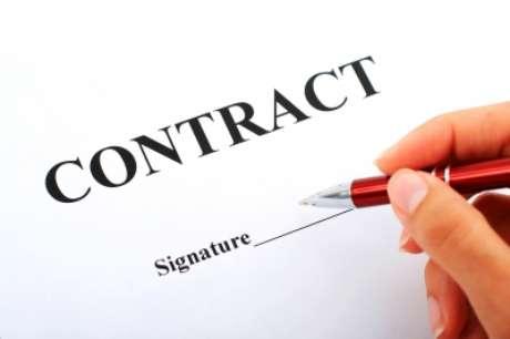 Os contratos devem ser escritos com cláusulas simples e de fácil compreensão