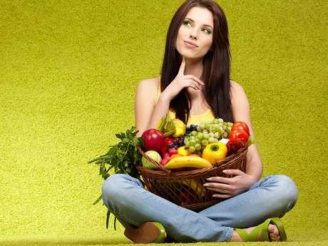 Una dieta balanceada debe de incluir frutas y verduras.
