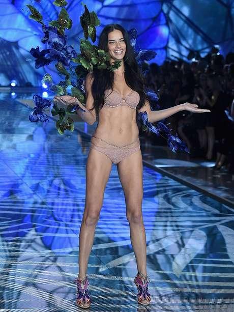 Adriana lima desnuda fotos