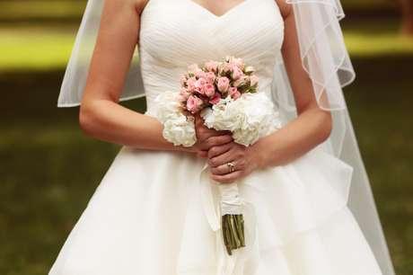 Com um cardápio regrado, a noiva fica ainda mais linda no vestido.