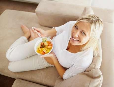 Salada de frutas é opção de sobremesa para a janta.