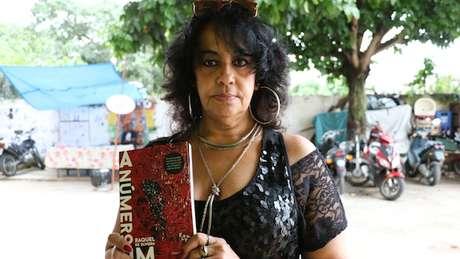 """""""A número um"""": romance mistura autobiografia e ficção"""