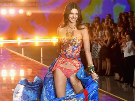 Kendall Jenner Victoria's Secret Angel >> Las Kardashian faltan a apoyar a Kendall Jenner en Victoria's Secret