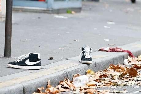 129 pessoas morreram na série de atentados terroristas deflagrados na última sexta-feira (13) em Paris