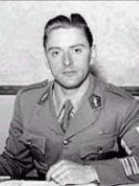 O coronel Henri Rol-Tanguy, chefe da FFI