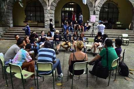 Aula pública com a cartunista Laerte durante a ocupação na Escola Estadual Fernão Dias