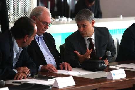 Presidente do Fluminense, Peter Siemsen (dir.), diz que vai lutar por cotas iguais