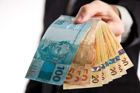 Os empréstimos consignados têm parcelas descontadas diretamente na folha de pagamento dos trabalhadores