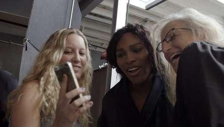 Serena Williams ao lado da fotógrafa Annie Leibovtz