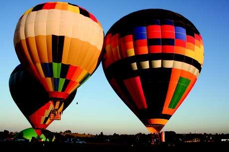 Passeios de balão estão entre as experiências oferecidas