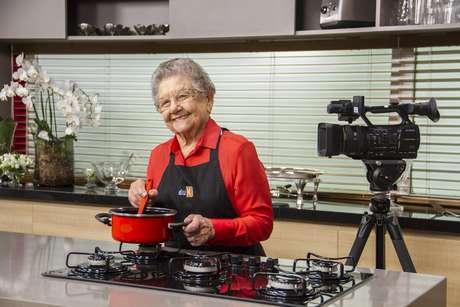 A vida da apresentadora Palmirinha Onofre é em si uma lição e, aos 84 anos, ela vai compartilhar suas receitas e suas histórias para empreendedores no site eduK