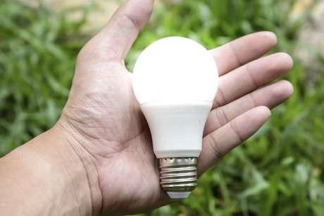 Tecnologia Li-fi pode substituir o Wi-fi, prometendo acesso à internet por meio da luz