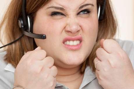 Mostrar impaciência, ofender ou insultar os clientes vão fazer você perder a venda na hora