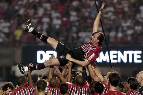 Rogério Ceni, durante jogo dos jogadores 2005 x jogadores 92/93, na despedida do goleiro no Morumbi.