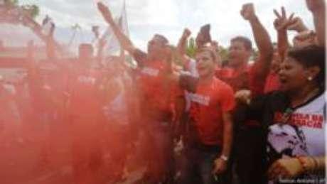 Manifestantes pró-governo em ato em agosto na capital paulista; setores contrários ao afastamento de Dilma irão às ruas na próxima semana