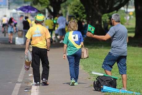 Ocupa Brasília em frente ao Congresso Nacional em Brasília, DF, neste domingo (13).