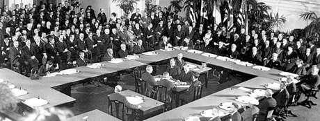 Assembleia reunida em Versalhes