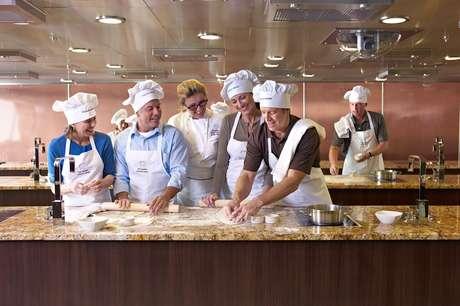 Aulas de culinária são atração em cruzeiros